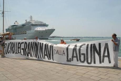 7, 8 e 9 giugno 2013 – Tre giornate di mobilitazione per dire: NO alle Grandi Navi, NO alle Grandi Opere.