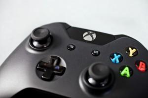 1369161848 xbox one 15 300x199 Xbox One : Les boutons Menu et View expliqués  Xbox One