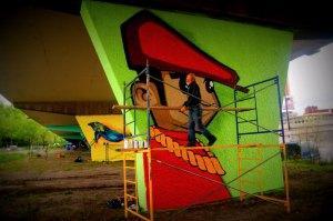 Graffiteur Sino muraliste graffiti mural street art urbain