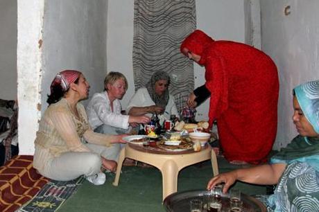 pendant 48 heures catherine burel et sophie phaut bourgeois ont partag le quotidien des - Salon Marocain Sahraoui