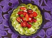 """Salade tomates fraises amandes fraîches, gagne """"déjeuner l'herbe"""" Relais Châteaux"""