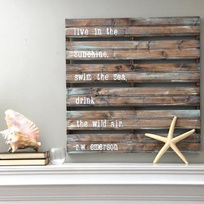 Diy des palettes de bois pour d corer son chez soi lire - Peindre des palettes en bois ...