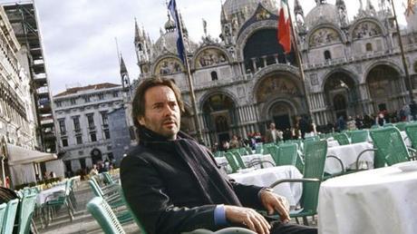 Commissaire Brunetti : enquêtes à Venise Des amis haut placés
