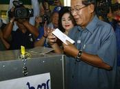 Cambodge, réélu malgré forte poussée l'opposition
