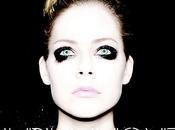Avril Lavigne propose nouveau single, Rock Roll.