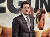 Mark Wahlberg prêt entrer dans l'armure d'Iron