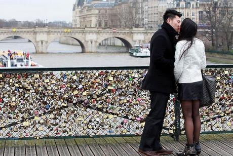 Les cadenas d'amour du Pont des Arts vont enfin disparaître