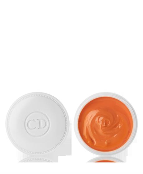 Les masques des taches de rousseur pour la peau sèche de la personne