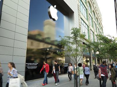 Le magasin apple de la rue ste catherine montr al est ferm paperblog - Magasins rue sainte catherine ...