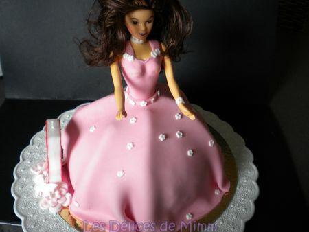 g teau princesse valina g teau barbie p te sucre paperblog. Black Bedroom Furniture Sets. Home Design Ideas