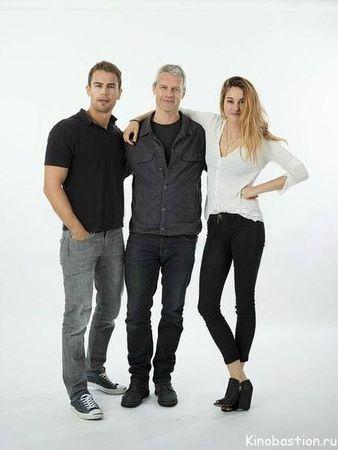 an analysis paper on the movie divergent by neil burger Interview: divergent director neil burger was it a hard movie to visualize in terms of things will be dirty and they'll be pieces of paper blowing.