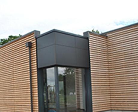le bardage en bois cosylva certifi est une solution conomique pour une maison. Black Bedroom Furniture Sets. Home Design Ideas