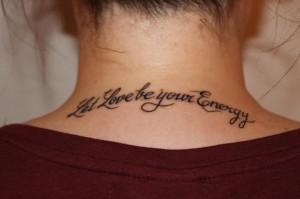 Id es de phrases se faire tatouer sur le corps lire - Phrase a tatouer ...