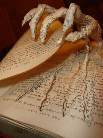 livre-objet-livres-faire-peur-L-sOs3iB.png