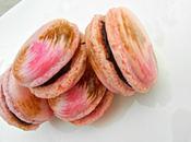 Macarons fantaisies chocolat noir framboise