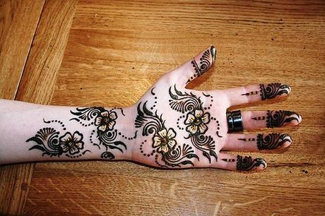 jolis tatouages de henn paperblog. Black Bedroom Furniture Sets. Home Design Ideas