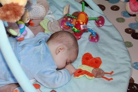 Et si j osais coucher b b sur le ventre paperblog - Coucher bebe sur le cote ...