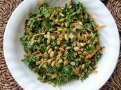 Salade kale bette carde avec graines citrouilles rôties
