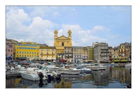 Bastia le vieux port d couvrir - Vieux port bastia ...
