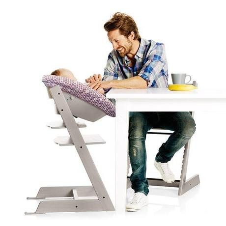 test de la chaise haute de stokke tout arrive paperblog. Black Bedroom Furniture Sets. Home Design Ideas