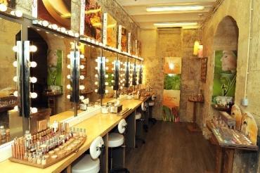 Couleur caramel maquillage caff un nouveau salon de for Salon bio paris