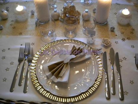Ma table de no l en blanc et or avec une pointe d 39 argent - Decoration de table de noel argent ...
