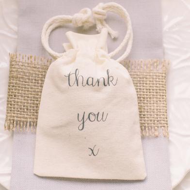petits sacs en tissu naturel cadeau pour invit d couvrir. Black Bedroom Furniture Sets. Home Design Ideas