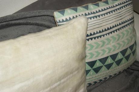 mon petit salon la menthe lire. Black Bedroom Furniture Sets. Home Design Ideas