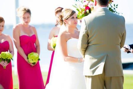 Mariage vert anis et rose fushia original paperblog for Robes de demoiselle d honneur aqua pour mariage sur la plage