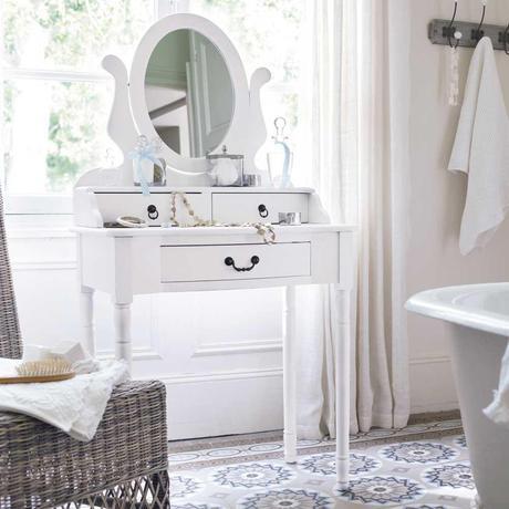 tendance d co la plus belle coiffeuse d couvrir. Black Bedroom Furniture Sets. Home Design Ideas