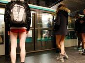 journée sans pantalon dans métro Pants Subway Ride)