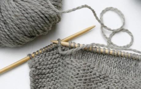 Le tricotage traverse le temps paperblog - Faire une boutonniere tricot ...