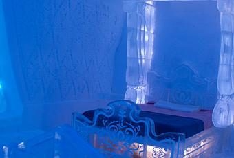 la reine des neiges lancement d une vraie chambre enti rement taill e dans la glace voir. Black Bedroom Furniture Sets. Home Design Ideas