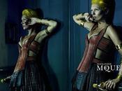 Kate Moss sublime dans nouvelle campagne Alexander McQueen...