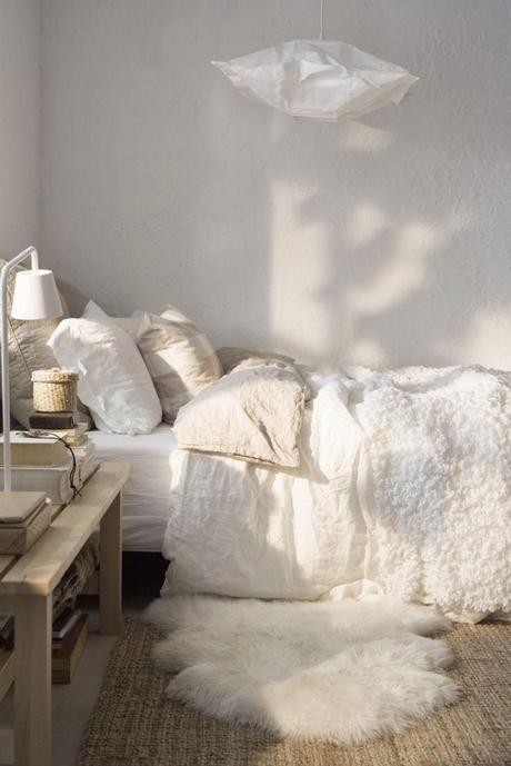 chambre blanche cocoon d couvrir. Black Bedroom Furniture Sets. Home Design Ideas