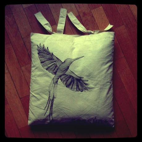 customiser ses sacs en coussin paperblog. Black Bedroom Furniture Sets. Home Design Ideas