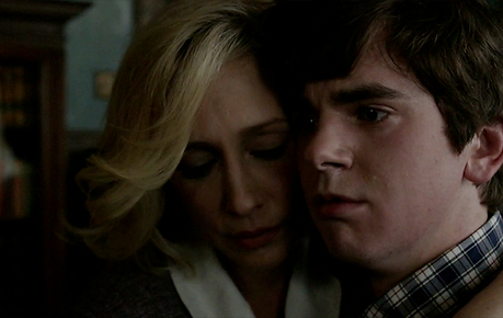 les critiques bates motel saison 2 episode 1 gone but not forgotten voir. Black Bedroom Furniture Sets. Home Design Ideas