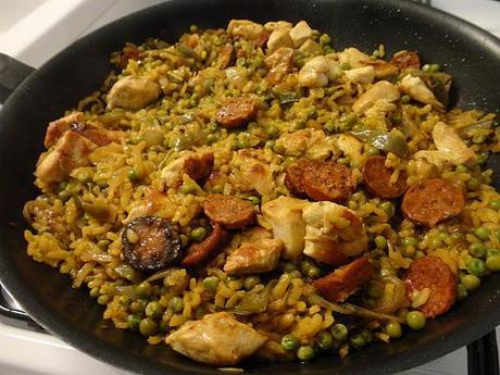 Paella au poulet et au chorizo d couvrir for Plat convivial pas cher