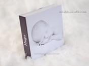 Livre photo dans coffret bois. Photographe bébé nord