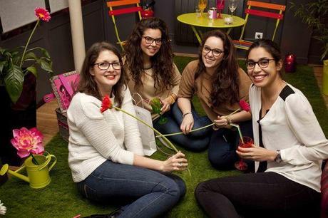 Eva, Salma et amies sur la prairie1