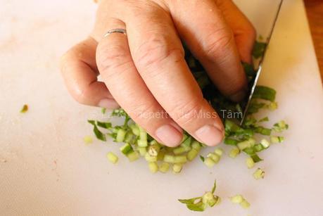 Soupe aigre-douce au poisson (canh chua cá)