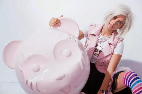Barbara Palvin ou la nouvelle miss manga chez l'Oréal