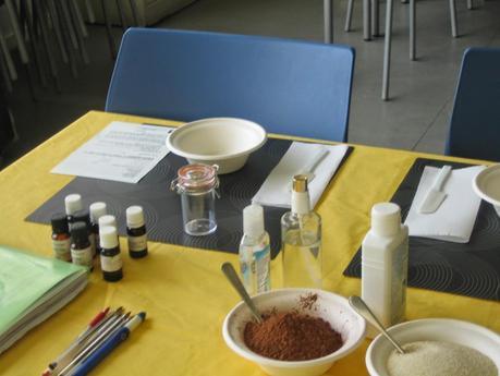 Retour sur l'atelier création d'un gommage naturel au centre social Mozaïque à Lille