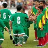 Des nains brésiliens forment une équipe de football
