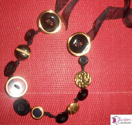 DIY Collier boutons dorés et noirs | Kustom Couture