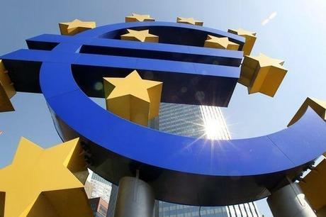 336612_le-symbole-de-l-euro-devant-le-siege-de-la-banque-centrale-europeenne-bce-a-francfort-en-2011
