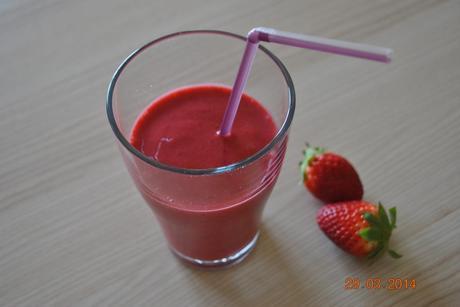 Smoothies aux fraises, framboises♣