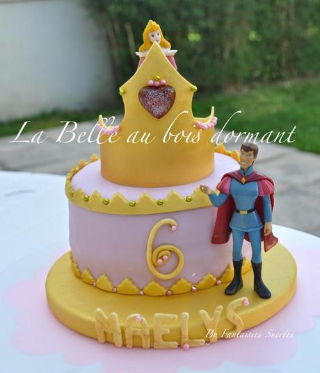 La Belle au bois dormant: Gâteau d'anniversaire 3D (pâte à sucre)
