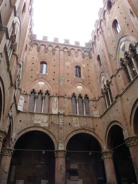 Le Palazzo Pubblico, Sienne