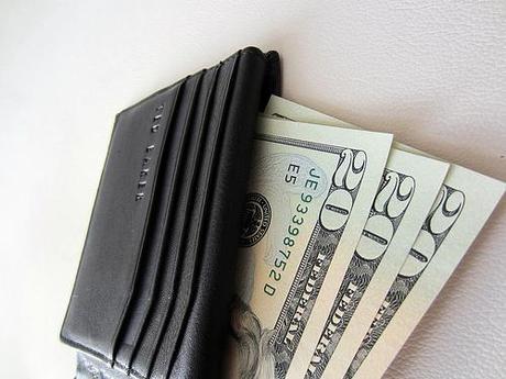 Les 5 raisons émotionnelles qui mènent les gens à trop dépenser